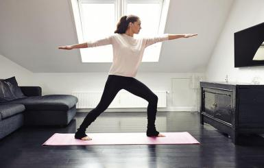 indoor-workout-yoga-1000